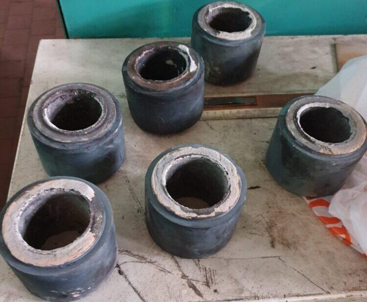 Заготовки шатунных вкладышей трехплунжерного насоса